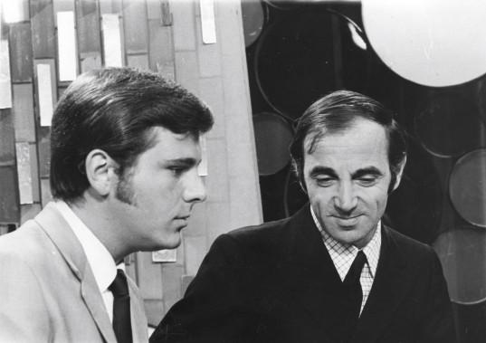 En compagnie de Charles Aznavour, en 1969 (Archives Le Soleil)