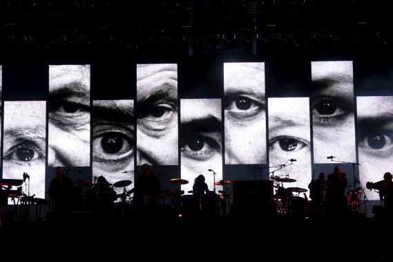 Vue gnérale du spectacle de Sting et Peter Gabriel (Le Soleil, Jean-Marie Villeneuve)