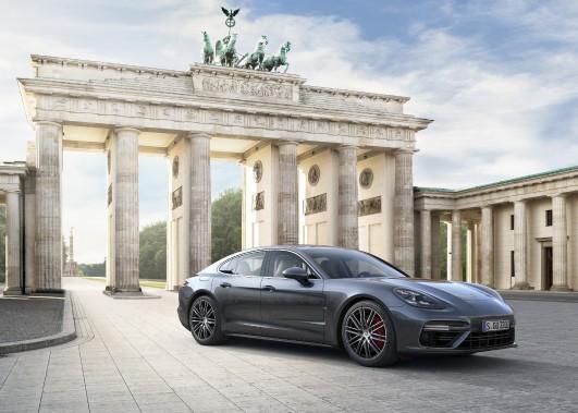 La nouvelle Porsche Panamera 2017. Photo fournie par le constructeur (Photo: Porsche)