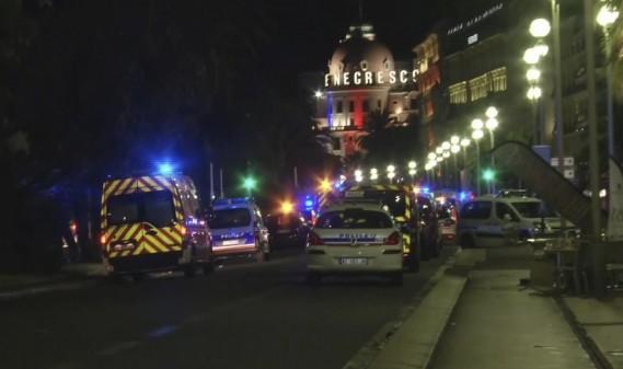L'attaque s'est produite sur la Promenade des Anglais, près du célèbre hôtel Negresco. (AP)
