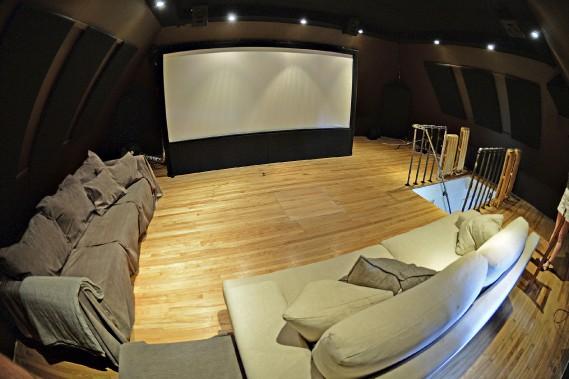 Le grenier a été transformé en salle de cinéma maison (Le Soleil, Patrice Laroche)