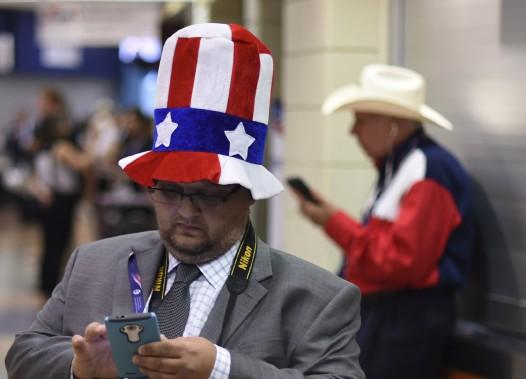 Des délégués lors du premier jour de la convention républicaine à Cleveland. (AFP)