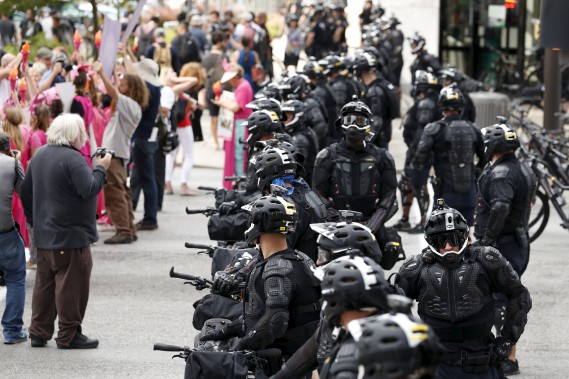 Les forces de l'ordre étaient déjà inquiètes après les attentats de Paris, de Bruxelles et d'Orlando. (AP)