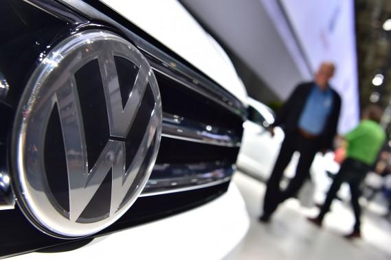 Les profits de Volkswagen chutent de 57%