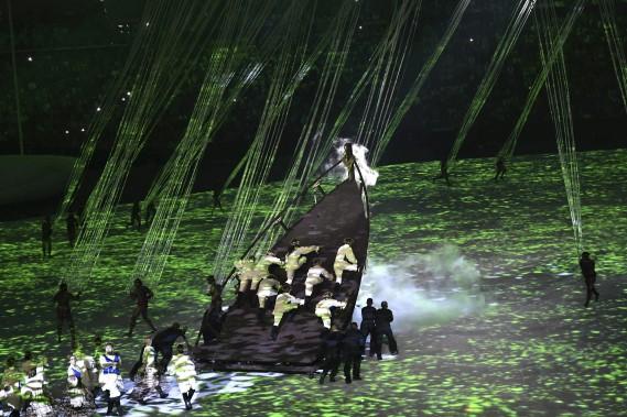 La «grande fête» proposée par Fernando Meirelles a mis à l'honneur «la richesse de la culture populaire brésilienne». (AFP, Fabrice COFFRINI)