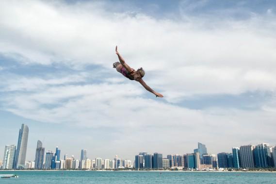La plongeuse de haut vol Lysanne Richard, qui semble voler sur cette photo, est monté sur la première marche du podium lors la Coupe du monde de la FINA, en février, à Abu Dhabi. (Photo courtoisie, Deepbluemedia)