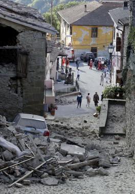 C'est dans la commune d'Accumoli, située à environ 150 kilomètres de Rome, que se trouve l'épicentre du séisme qui a fait au moins 247 morts. (AP, Andrew Medichini)