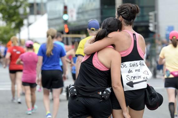 Cette coureuse était bien fière de la participation de sa soeur. (Le Soleil, Yan Doublet)