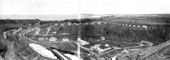 Val-Jalbert en panoram. Photo prise par Chabot, en 1926. (Ville de Roberval  fonds Chabot)