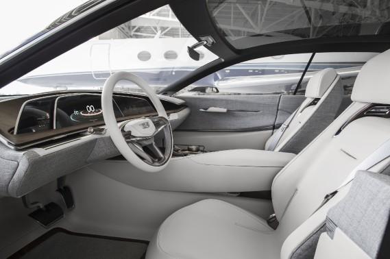Le prototype Escala Concept illustre les codes stylistiques qu'on verra dans les prochaines Cadillac. ()