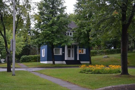 Aujourd'hui, la bâtisse a conservé son style de l'époque et a été aménagée en résidence unifamiliale. (Claudie Laroche)