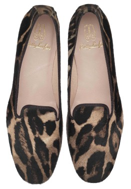 Faye Dark Leopard Pony de Pretty Loafers (319$) (Fournie par Pretty Ballerinas)
