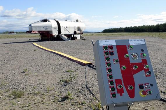 L'intensité des flammes et leur localisation est contrôlé par une console. Les flammes du dispositif sont alimentées au propane. (Photo Le Progrès-Dimanche, Jeannot Lévesque)