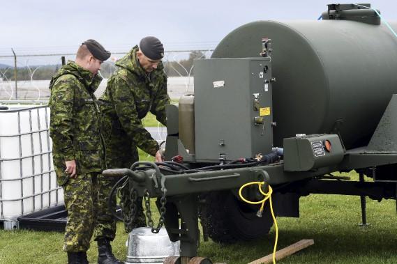 Certains équipements étaient placés sous haute surveillance. (Photo Le Quotidien, Rocket Lavoie)