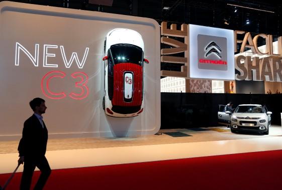 Au mondial de Paris, on voit toute la place que le français occupe. Citroën donne l'exemple au kiosque où est exposé sa nouvelle C3. (REUTERS)