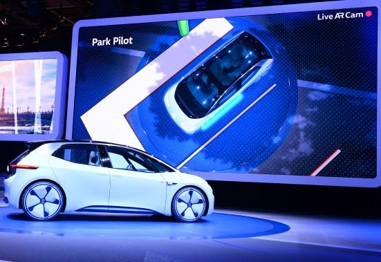 Le concept électrique I.D. deVolkswagen. Volks promet de lancer cette voiture en 2020. (AFP)