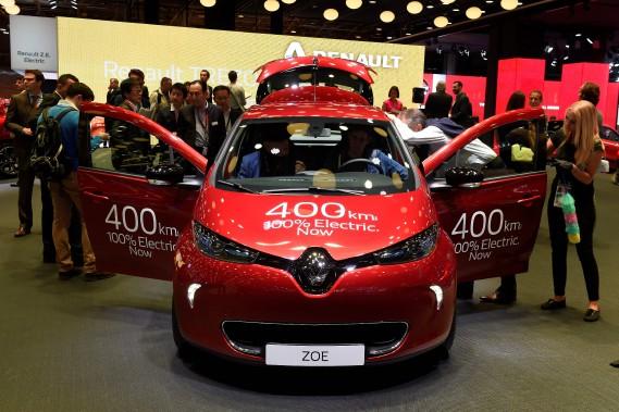 La Renault Zoé 2017 aura une autonomie «théorique» de 400 km, selon le système de cotes européen, notoirement irréaliste. On peut s'attendre à une autonomie véritable de 250 km, estime un expert. (AFP)