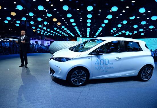 Carlos Ghosn a présenté la Renault Zoé à autonomie améliorée. (AFP)