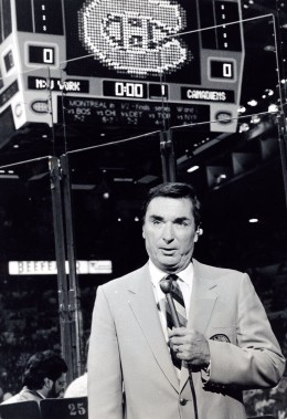 Lionel Duval à <em>La Soirée du Hockey </em>en<em> </em>1986. (Photo archives La Presse)