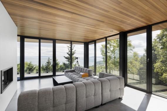 L'étage inférieur comprend une aile dédiée aux invités ainsi qu'un séjour. (Adrien Williams)