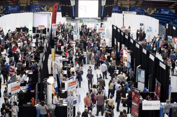 Pas moins de 1300 personnes ont visité le troisième Salon de l'emploi, de la formation et de l'entrepreneuriat de Shawinigan. (Sylvain Mayer, Le Nouvelliste)