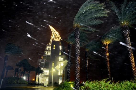 De fortes pluies se sont abattues tôt le 7octobre sur la région de Cape Canaveral, en Floride. (Photo Craig Rubadoux, AP, Florida Today)