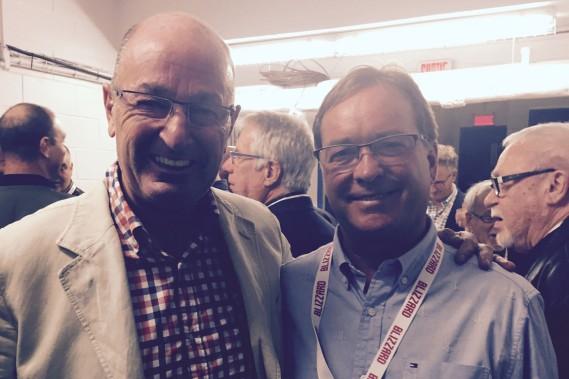 Le maire Yves Lévesque s'est entretenu avec Pierre Gervais du CH. (Claude Loranger)
