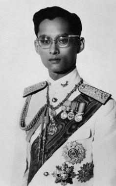 Le jeune roi Bhumibol Adulyadej, en janvier 1950. (photo archives AFP)
