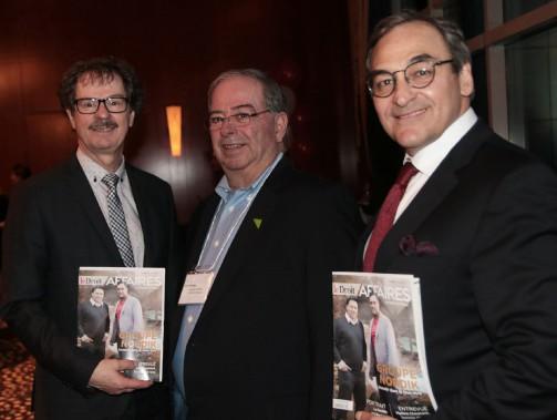 Le président de la Société d'aide au développement de la collectivité (SADC) de Papineau, Jacques Bélisle, entouré du président-éditeur du Droit, Pierre-Paul Noreau, et du propriétaire de GCM, Martin Cauchon. (Etienne Ranger, LeDroit)