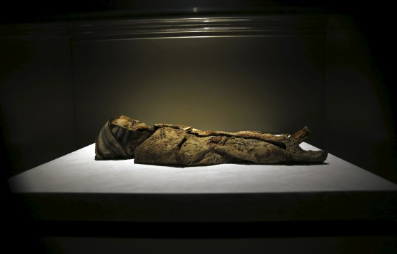 Corps naturellement momifié (13e siècle avant J.-C.) (AFP, Joseph Eid)