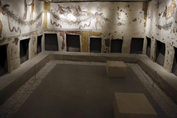 Autre joyau, l'extraordinaire hypogée - tombe creusée dans le sol - découvert par hasard en 1937 par un paysan dans la région de Tyr et dont les fresques restaurées sont inspirées de la mythologie grecque. (AFP, Joseph Eid)