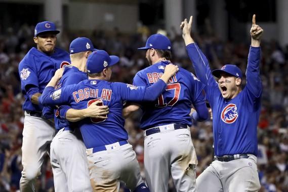 Les Cubs de Chicago ont mis fin à une disette de 108ans sans victoire en Série mondiale en défaisant les Indians de Cleveland 8-7 lors du septième match. (AFP)