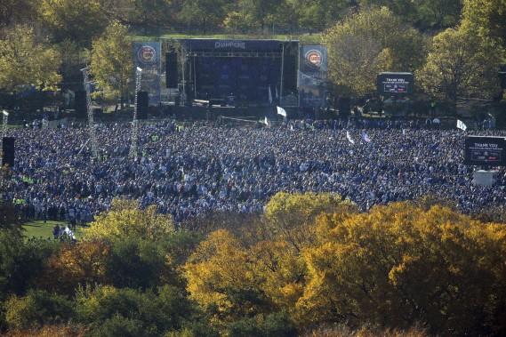 Une vue de la foule rassemblée à Grant Park. (Photo Kiichiro Sato, AP)