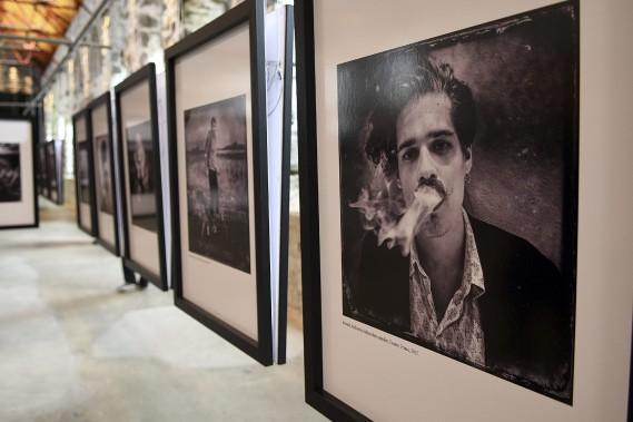 Lors de son passage à Cannes, Balint Porneczy a photographié Renaud, un réalisateur indépendant canadien. (Photo Le Quotidien, Rocket Lavoie)