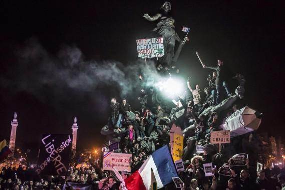 Le photographe Corentin Fohlen a pris ce cliché lors d'une manifestation contre le terrorisme à Paris, après qu'une série de cinq attaques se soient produites dans la région de l'Île-de-France, en commençant au siège du journal satirique Charlie Hebdo. (Photo courtoisie, Corentin Fohlen)