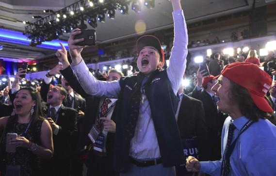 À New York, des partisans de Donald Trump célèbrent le résultats favorables à leur candidat. (AFP)