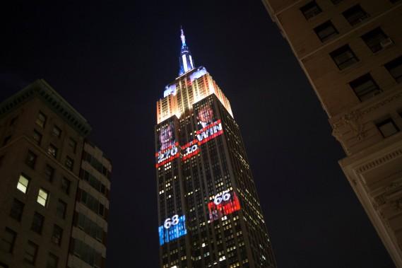 L'Empire State building expose les résultats de la présidentielle à l'aide de projections. (Photo Alex Wroblewski, REUTERS)