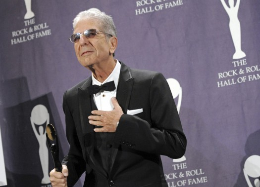 Leonard Cohen, le 10 mars 2008, lors la cérémonie d'intronisation au Rock and Roll Hall of Fame, à New York (Photo Evan Agostini, archives AP)