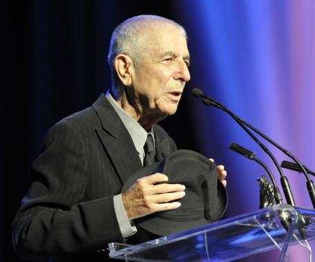 Le 14 mai 2012, Cohen reçoit le prix Glenn Gould, à Toronto, récompensant tous les deux ans un artiste vivant pour la contribution de son oeuvre au monde des arts. (Photo Mike Cassese, archives REUTERS)