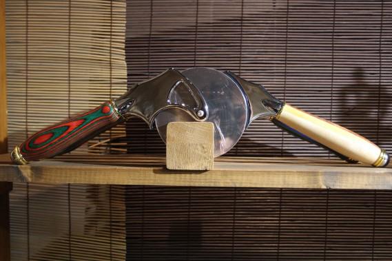 Les pièces tournées en bois exotique du Tourne'Bois sont des oeuvres d'art en soi. Sur une table, comme dans la cuisine, elles sont à la fois pratiques et esthétiques. (Mélissa Bradette)