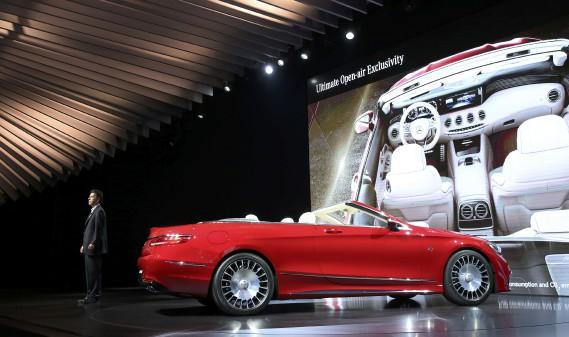 La Mercedes-Maybach S 650 Cabriolet. (REUTERS)