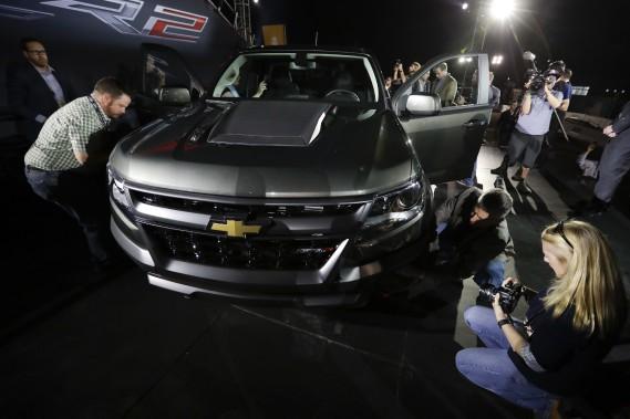 Le Chevrolet Colorado ZR2 tout terrain. (AP)
