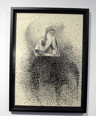 Une série de quatre oeuvres aborde des thèmes religieux. Dans l'une d'entre elles, <em>La Descendance d'Abraham</em>, l'artiste utilise le point. (Photo Le Progrès-Dimanche, Jeannot Lévesque)