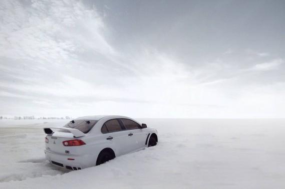 Première neige ou comment rouler 4X4 sans se ruiner : Mitsubishi Lancer
