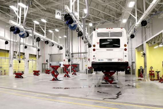 Il y a un minimum de colonnes de soutien, facilitant la circulation des autobus. (Patrick Woodbury, Le Droit)