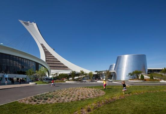 Vue sur le stade olympique, le Biodôme et le Planétarium de Montréal. (Stéphane Brügger)