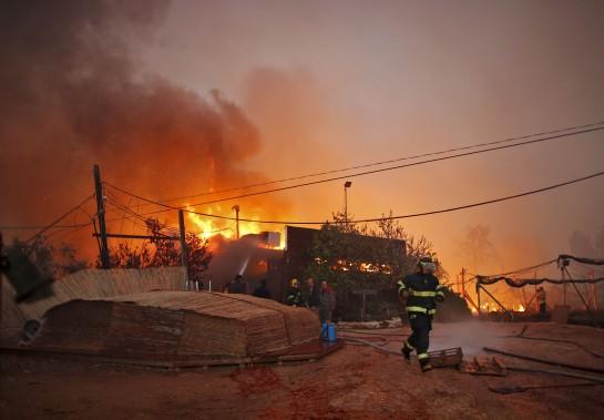 Selon les enquêtes préliminaires, l'incendie semble être de nature criminelle. Les leaders israéliens accusent des assaillants arabes d'être responsables de la catastrophe. (AFP)