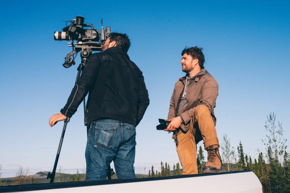 Tourner dans le Nord a nécessité beaucoup de préparation de la part de Nicolas Lévesque et de l'équipe de Canopée Médias. (Photo courtoisie, Sophie Gagnon Bergeron/Canopée Médias)