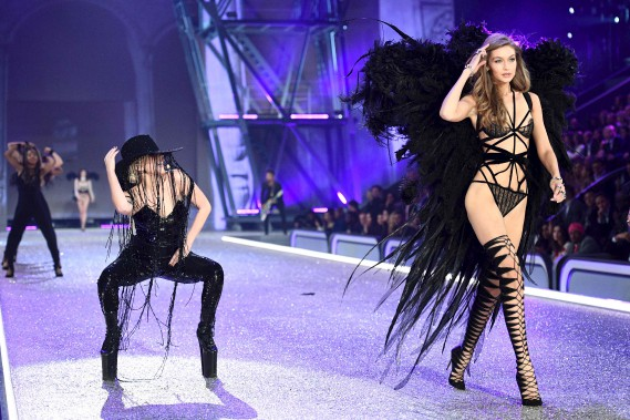 Lady Gaga et Gigi Hadid (AFP, Martin Bureau)