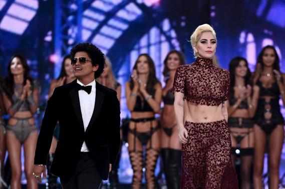 Bruno Mars et Lady Gaga (AFP, Martin Bureau)
